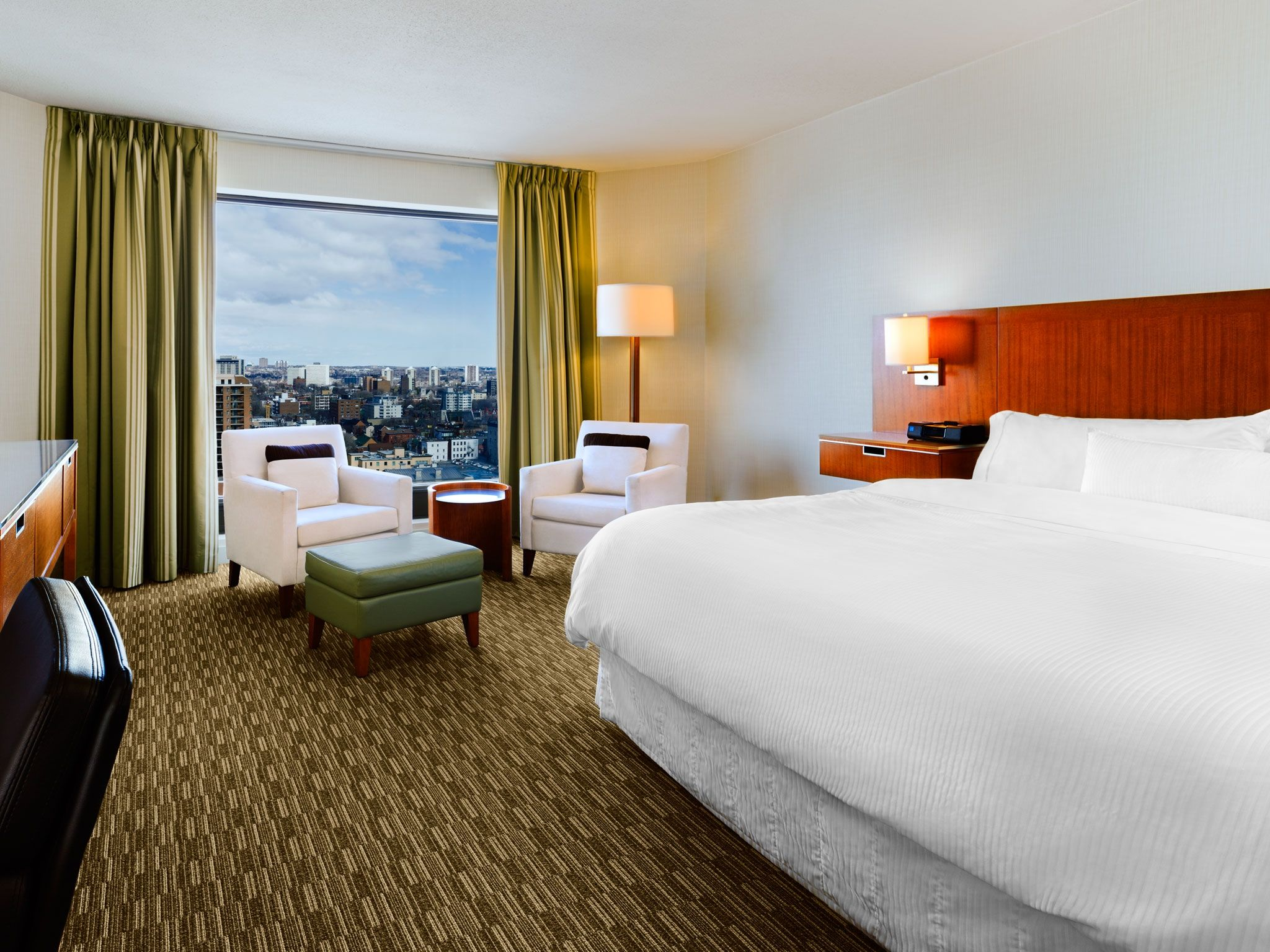 The Westin Ottawa - Premium Guest Room with View of Byward Market